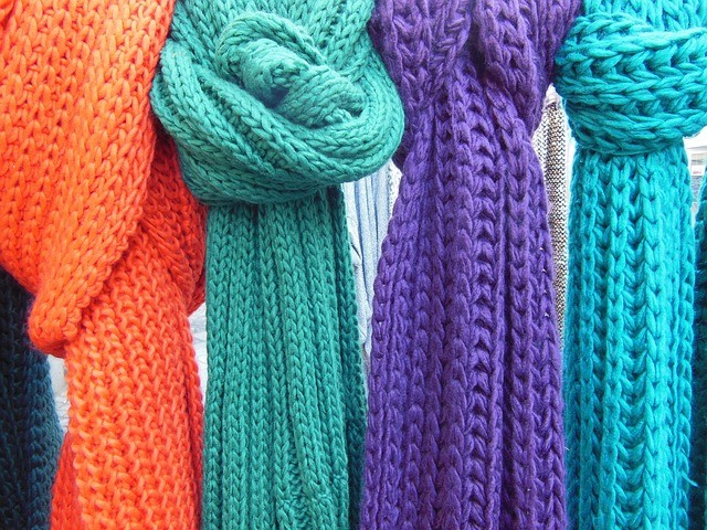 scarves-96684_640